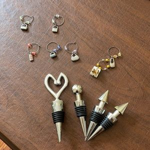 Charms for glasses and stoppers